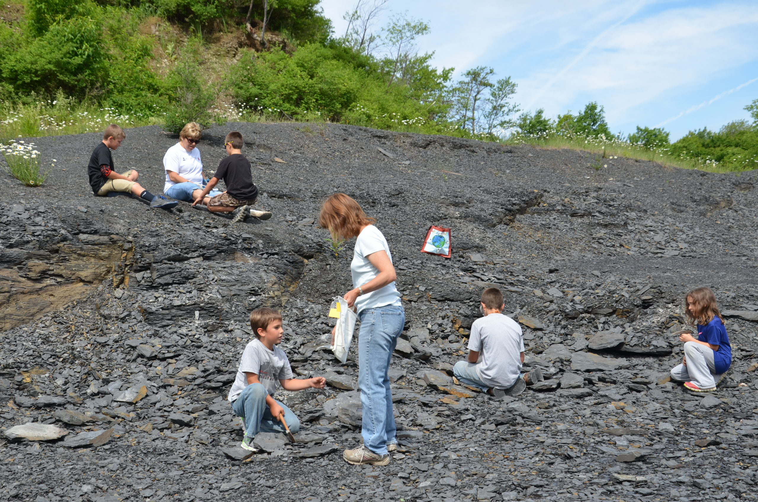 Fossil Dig with Friends of Rogers June 19, 2021